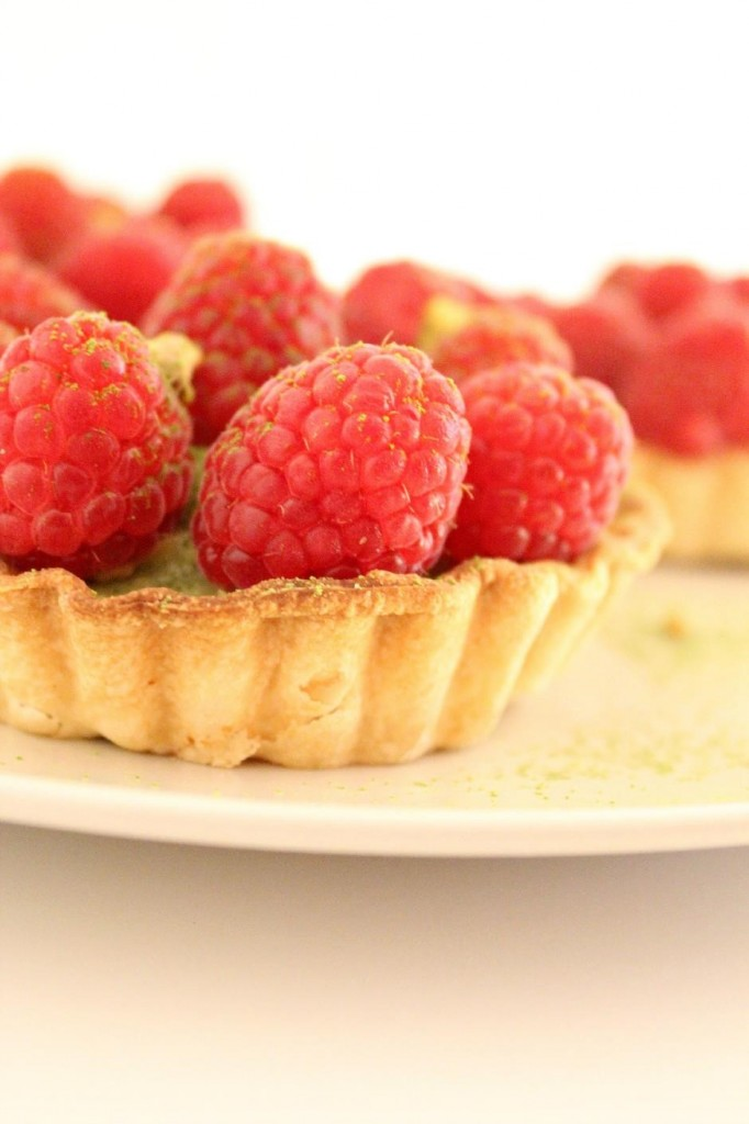 Green tea and raspberry tartlets 1