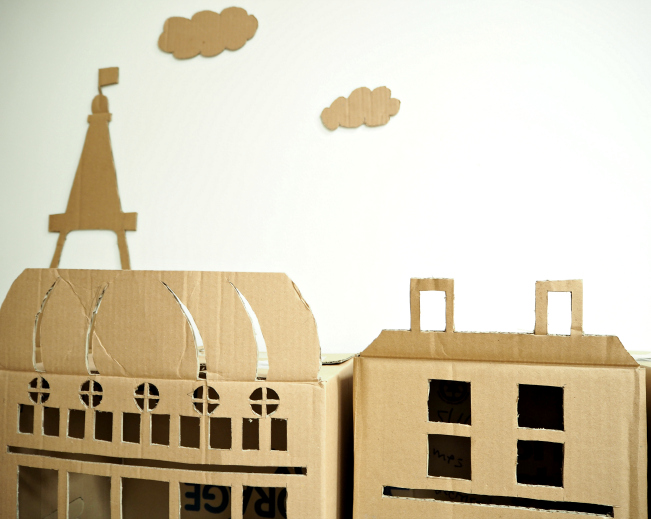 little cardboard Paris, cardboard, boxes, dollhouse, Eiffel tower, Haussmann, miniature