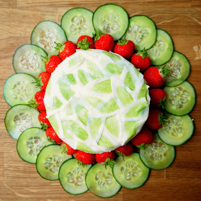 Pimm's Hollywood-inspired cake, cucumber, mint, orange, strawberries, Debbie Reynolds, Singin' in the Rain